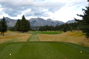 Beautiful first tee. Elk-rick tries to hit it to the Rockies.